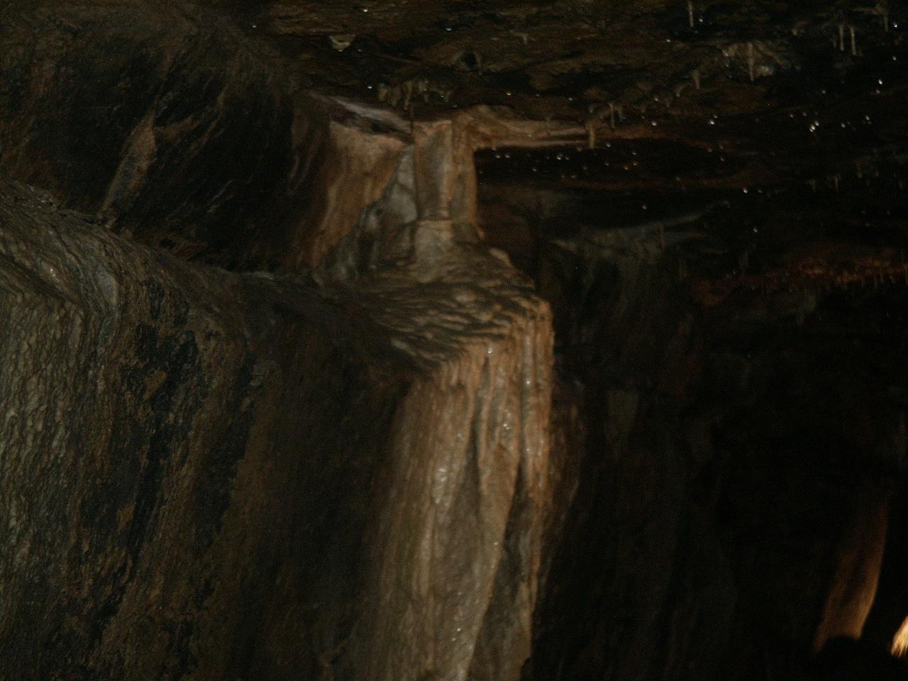 praying hands stalactite stalagmite aillwee cave
